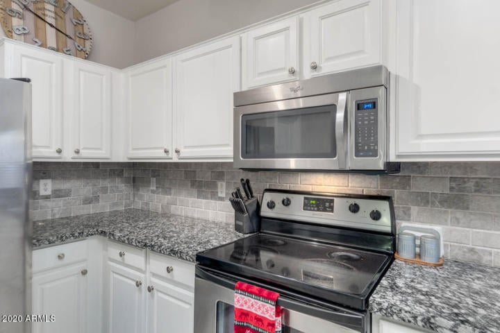 Johnson Ranch Kitchen Home for Sale