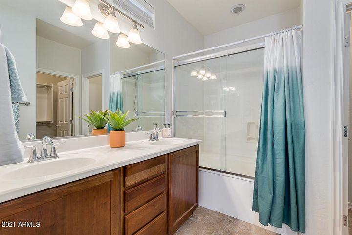 Cortina Bathroom Home for Sale